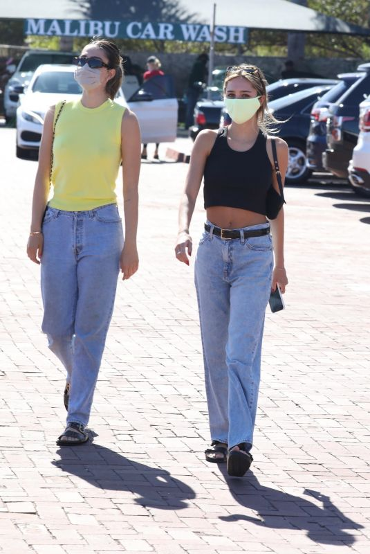AMELIA and DELILAH HAMLIN Shopping at Malibu Country Mart 08/10/2020