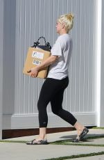 ARIEL WINTER Out and About in Los Angeles 08/11/2020