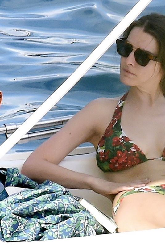 BEE SHAFFER Out on Vacation in Italy 08/23/2020