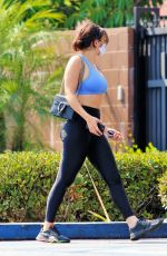 CHARLI XCX in a Crop Top and Leggings Arrives at a Gym in Los Angeles 08/20/2020