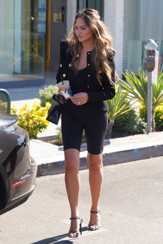 CHRISSY TEIGEN Out Shopping on Melrose Place in West Hollywood 08/13/2020