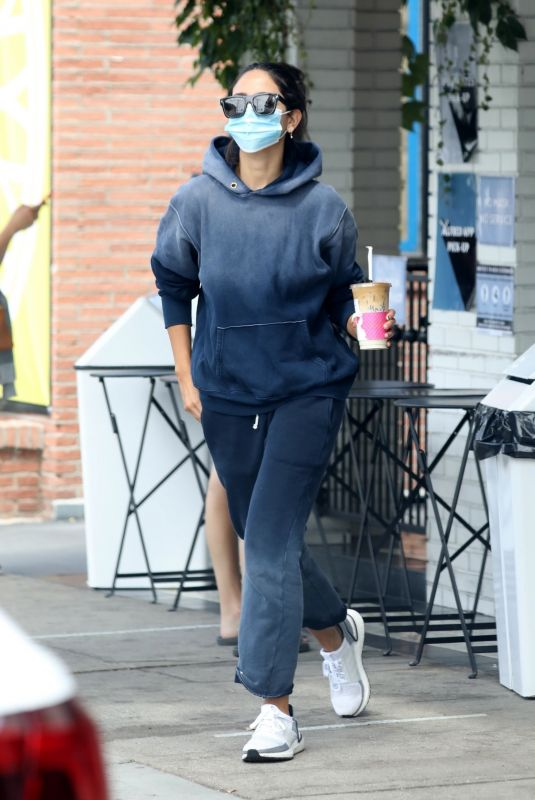 EIZA GONZALEZ Out for Iced Coffee in Los Angeles 08/13/2020