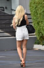 HOLLY MADISON Arrives at a Studio in Los Angeles 08/24/2020