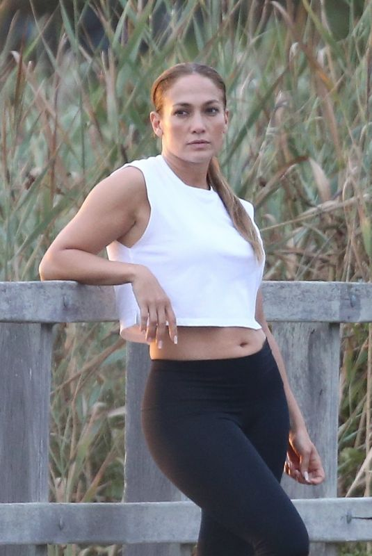JENNIFER LOPEZ Out on the Beach in Hamptons 08/14/2020