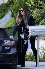 KATE BECKINSALE and Goody Grace Out in Pacific Palisades 08/11/2020