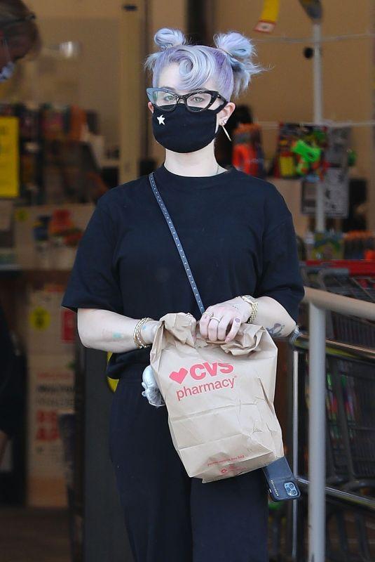 KELLY OSBOURNE Leaves CVS Pharmacy in Los Angeleas 08/12/2020