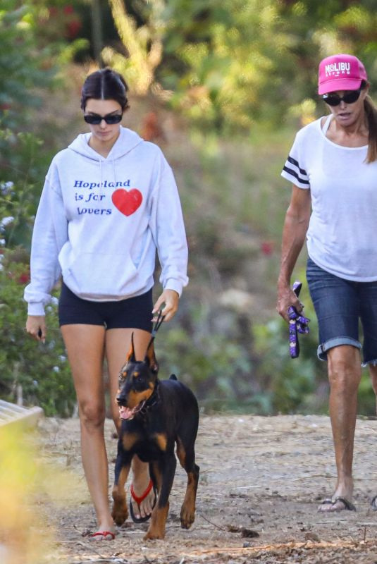 KENDALL JENNER Out Hiking with Her Dad Caitlyn Jenner in Malibu 08/01/2020