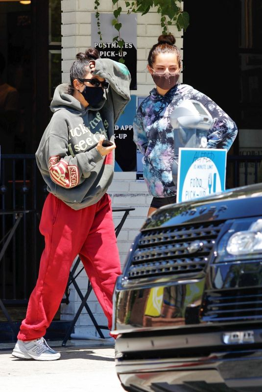 KOURTNEY KARDASHIAN and ADDISON RAE at Alfreds Coffee in Studio City 08/05/2020