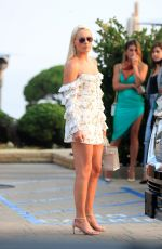 LINDSEY VONN Out for Dinner in Malibu 08/21/2020