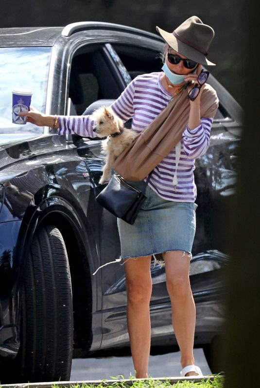 NAOMI WATTS Out Tith Her Dog in The Hamptons 08/06/2020