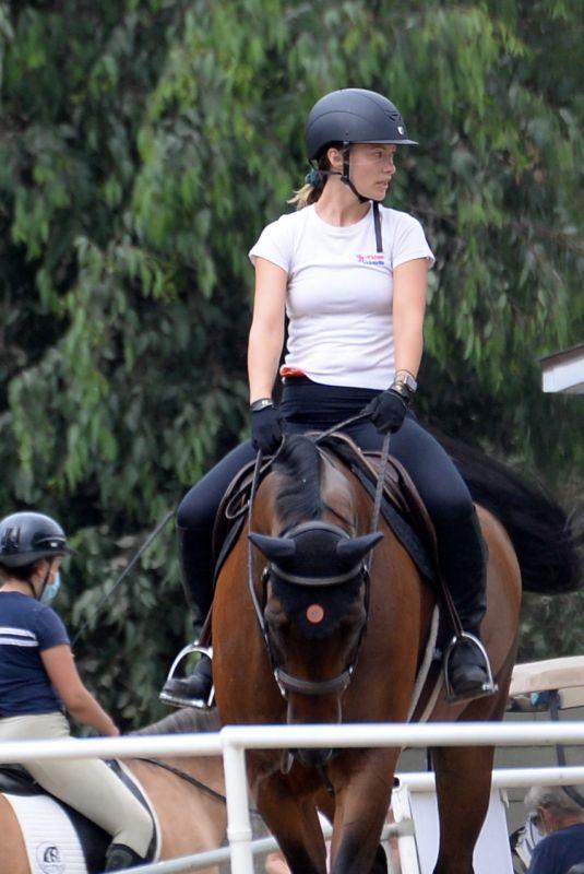 OLIVIA WILDE at Horseback Riding in Los Angeles 08/20/2020