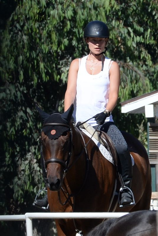 OLIVIA WILDE Riding a Horse in Thousand Oaks 08/13/2020
