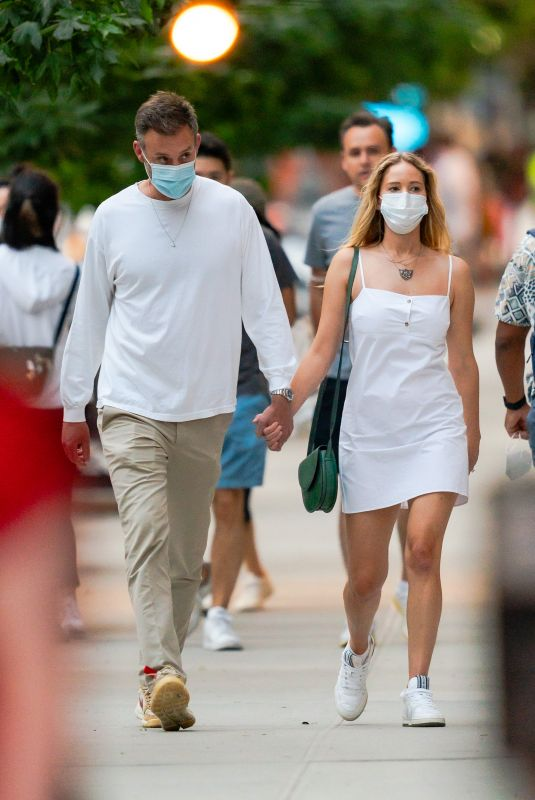 Pregnant JENNIFER LAWRENCE and Cooke Maroney Out in New York 08/28/2020