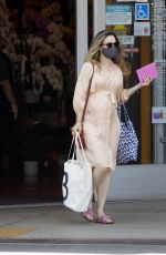 Pregnant RACHEL MCADAMS Out and About in Los Angeles 08/19/2020