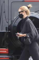 ROSIE HUNTINGTON-WHITELEY Leaves a Gym in West Hollywood 08/04/2020