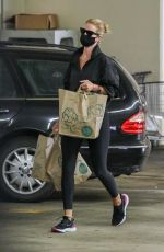 ROSIE HUNTINGTON-WHITELEY Out Shopping in Los Angeles 08/08/2020