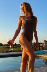 SAILOR BRINKLEY in Bikini - Instagram photos 08/19/2020