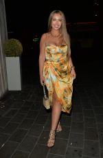TYNE-LEXY CARLSON Leaves STK Restaurant in London 08/15/2020