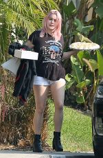 ARIEL WINTER Arrives at a Friends House in Los Angeles 09/26/2020