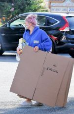 ARIEL WINTER Leaves UPS Store in Los Angeles 09/28/2020