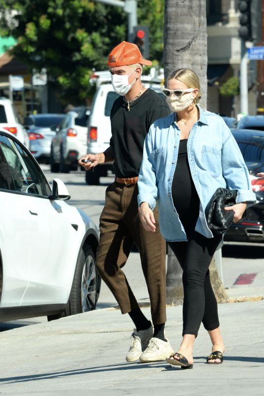 ASHLEE SIMPSON and Evan Ross at Rocco's Tavern in Studio City 08/31/2020