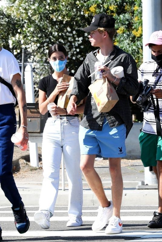 CHARLI D'AMELIO and Chase Hudson Out in Malibu 09/06/2020