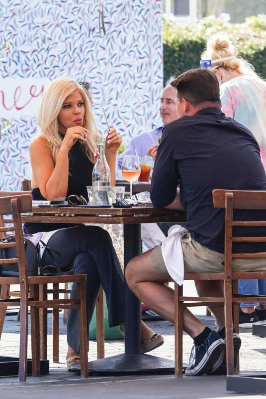 DONNA D'ERRICO Out for Lunch at Mauro Cafe in West Hollywood 09/25/2020