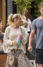 ELSA PATAKY and Chris Hemsworth Out for Breakfast in Byron Bay 09/23/2020