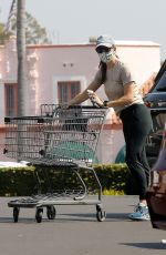 JENNIFER GARNER Out Shopping in Pacific Palisades 09/27/2020
