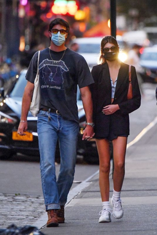KAIA GERBER and Jacob Elordi Heading to Their Apartment in New York 09/11/2020