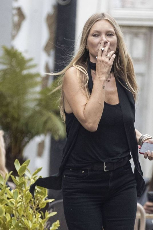 KATE MOSS Out for Lunch with Friends in London 09/15/2020