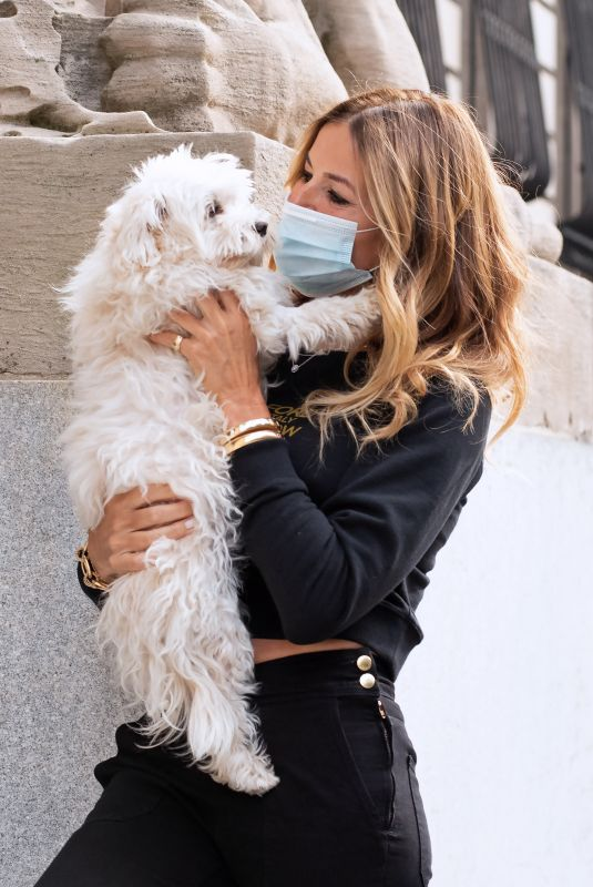 KELLY BENSIMON Out with Her Dog Fluffy in New York 09/13/2020