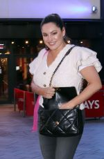 KELLY BROOK Leaves Her Radio Show in London 09/25/2020