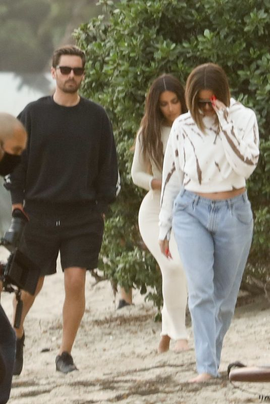 KIM and KHLOE KARDASHIAN and Scott Disick on the Set of KUWTK on the Beach in Malibu 09/11/2020
