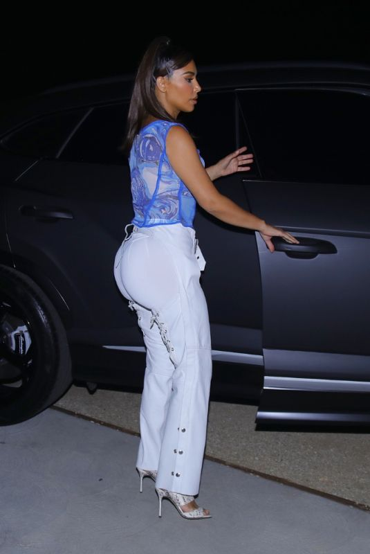 KIM KARDASHIAN Out for Dinner in Malibu 09/27/2020