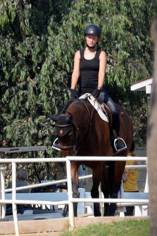 OLIVIA WILDE at Horseback Riding in Thousand Oaks 09/01/2020