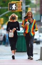 Pregnant ELSA HOSK and Tom Daly Out for Coffee in New York 09/29/2020