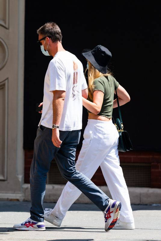 Pregnant JENNIFER LAWRENCE and Cooke Maroney Out in New York 09/04/2020