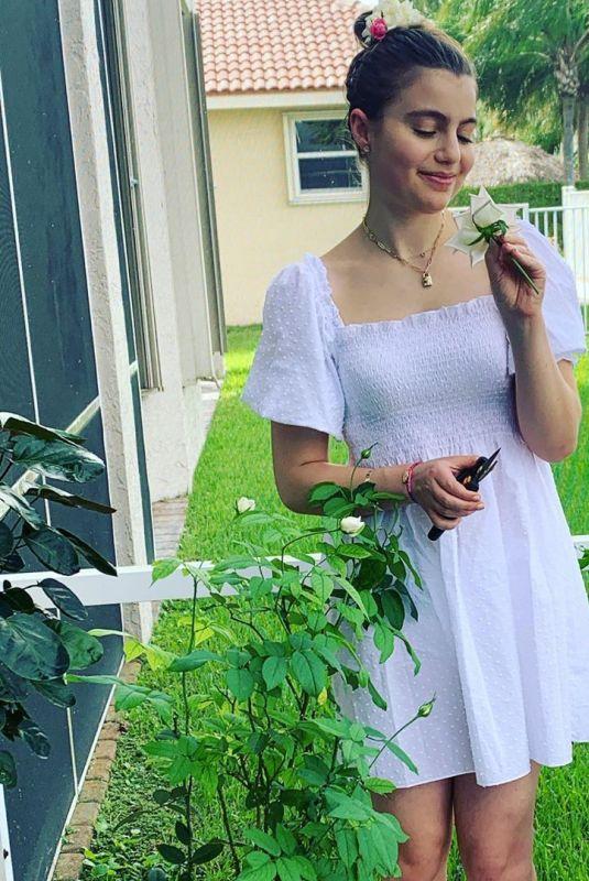 SAMI GAYLE – Instagram Photos 09/27/2020