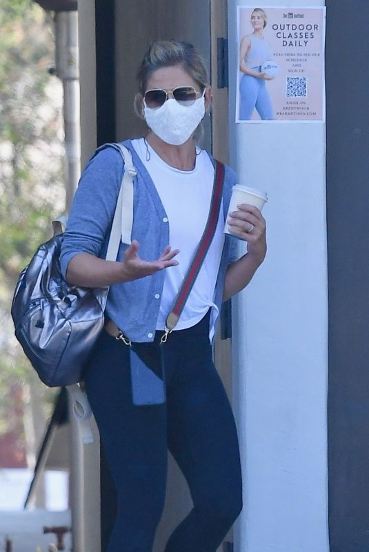 SARAH MICHELLE GELLAR Out and About in Brentwood 09/06/22020