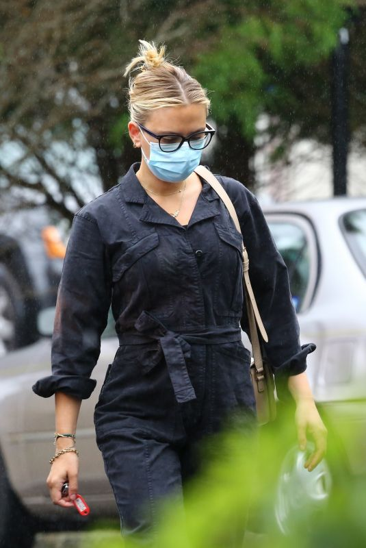 SCARLETT JOHANSSON Out for Grocery Shopping in New York 09/02/2020