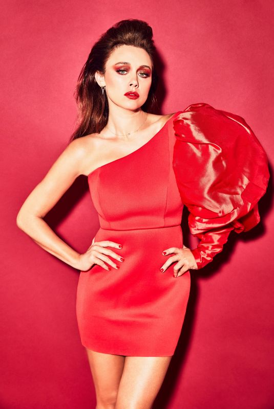 UNA HEALY at a Photoshoot, September 2020