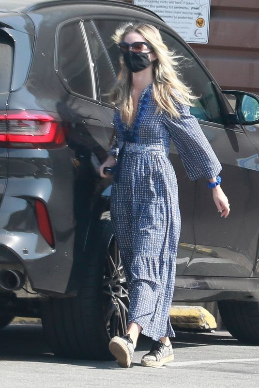 ANNABELLE WALLIS Out Shopping in Los Angeles 10/06/2020