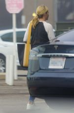 CHELSEA HANDLER at Lunch at Blue Plate Oysterette in Santa Monica 10/16/2020