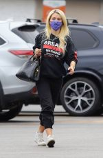 HOLLY MADISON Out Shopping in Los Angeles 10/22/2020