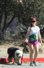 ISLA FISHER Out Hikinig  with Her Dog in Los Angeles 09/30/2020