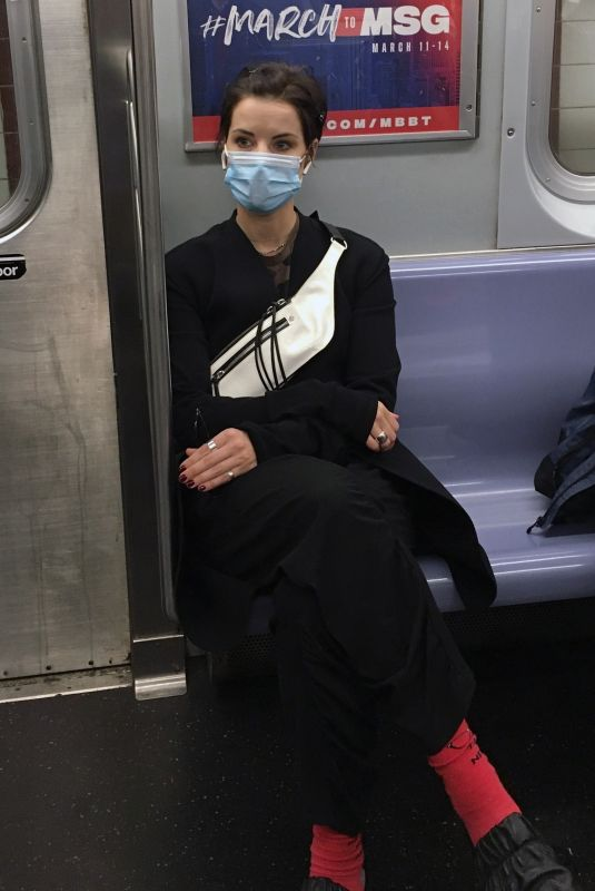JAIMIE ALEXANDER Riding Subway in New York 10/14/2020