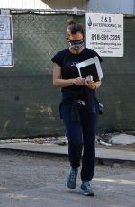 JENNIFER GARNER Checking Progress of Her New Home in Brentwood 10/30/2020