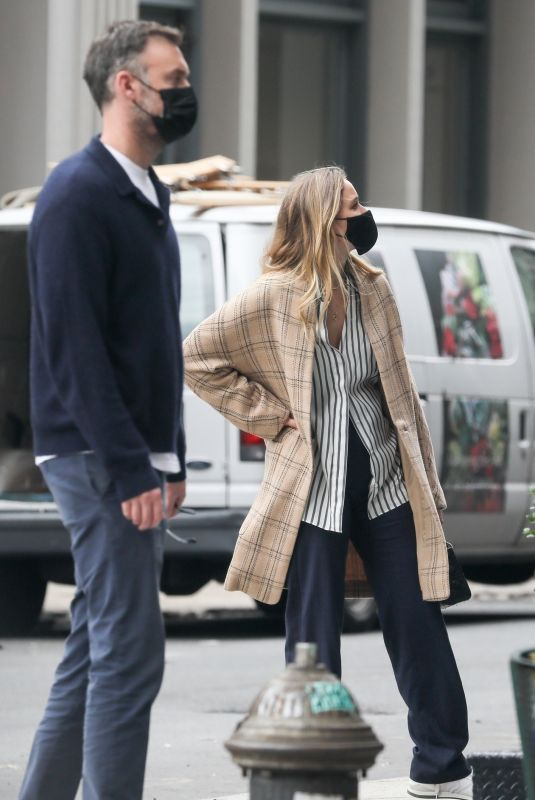 JENNIFER LAWRENCE and Cooke Maroney Out in New York 10/05/2020
