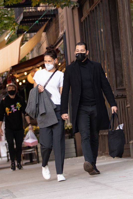 KATIE HOLMES and Emilio Vitolo Jr. Out in New York 10/20/2020